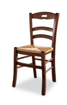 Scegliere la sedia in legno ideale per l\'arredamento della casa