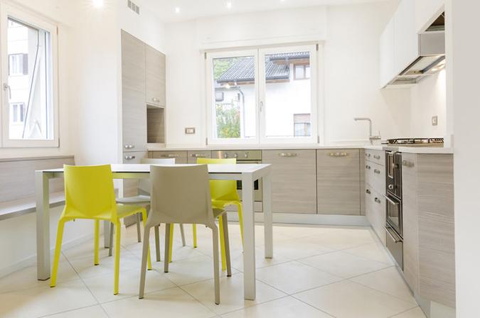 Guida pratica alla scelta della sedia ideale per la cucina for Sedie moderne cucina