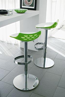 Sgabelli Design Cucina. Sgabello Da Bar In Metallo Nero Dorato ...